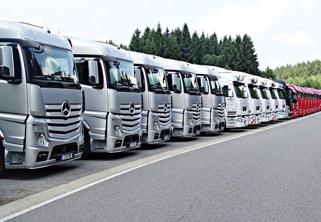 truck-2707700_640.jpg